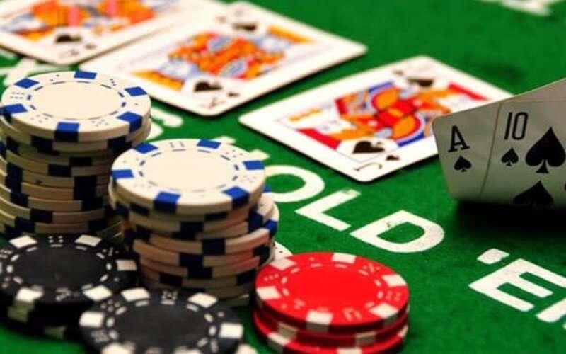 ข้อควรรู้ก่อนจะเริ่มเดิมพัน Poker Happyluke
